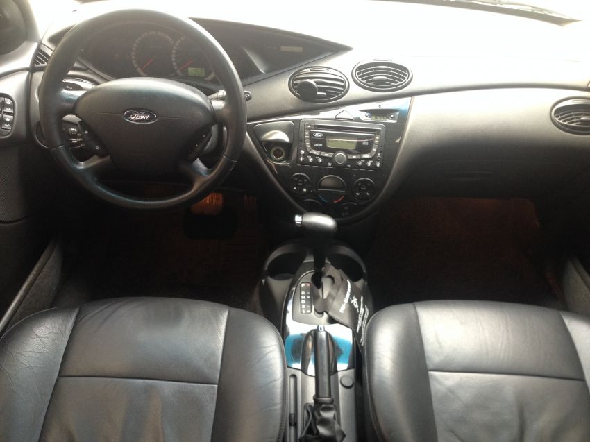 Ford Focus Sedan Ghia 2.0 16V Duratec (Aut) - Foto #8