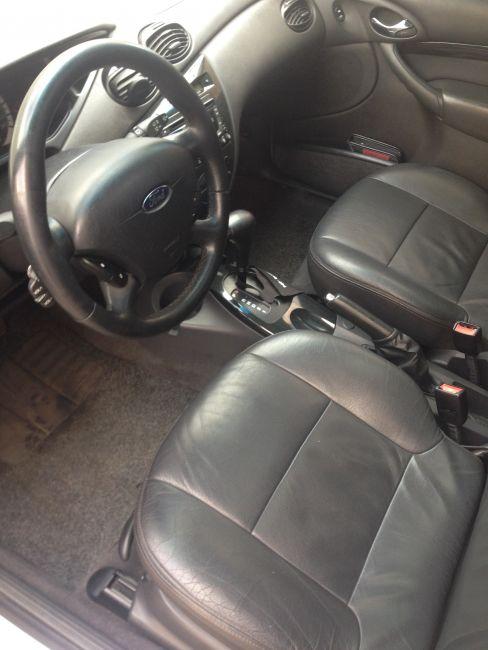 Ford Focus Sedan Ghia 2.0 16V Duratec (Aut) - Foto #9