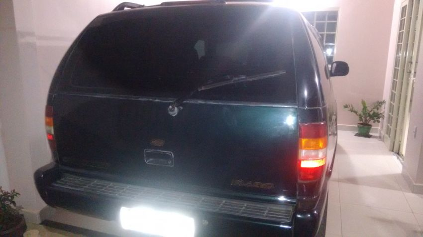 Chevrolet Blazer 4x2 4.3 SFi V6 - Foto #2