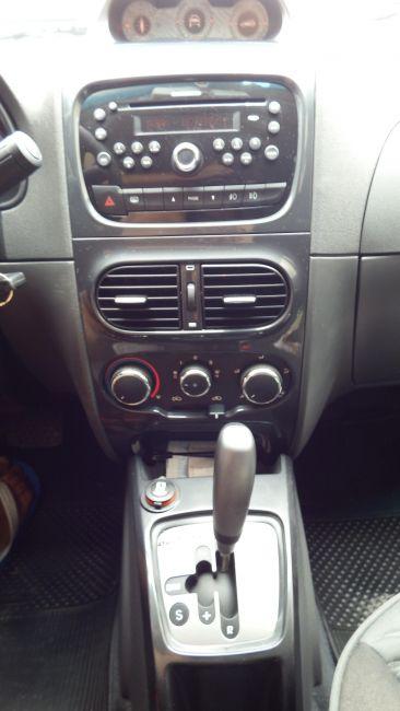 Fiat Palio Weekend Adventure Dualogic 1.8 16V (Flex) - Foto #9