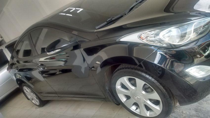 Hyundai Elantra Sedan GLS 1.8 16V (Aut) - Foto #2