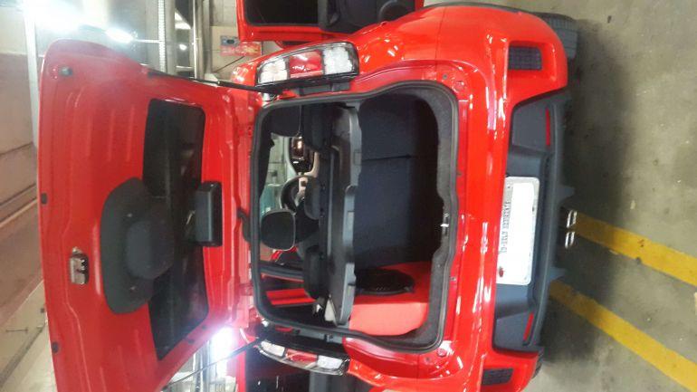 Fiat Uno Sporting 1.4 8V (Flex) 4p - Foto #9