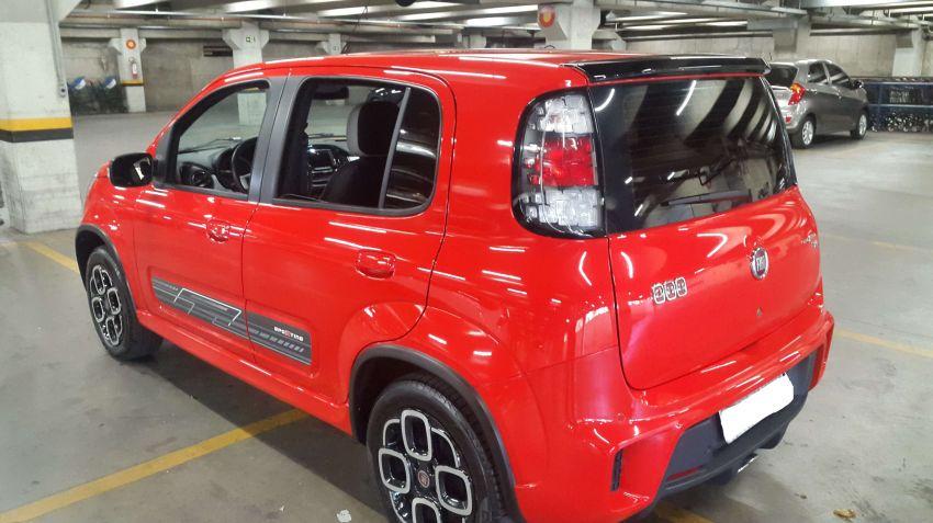 Fiat Uno Sporting 1.4 8V (Flex) 4p - Foto #8