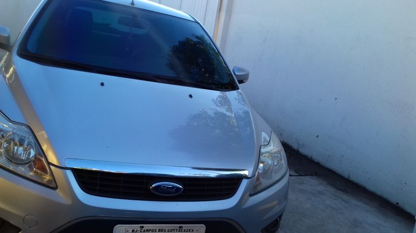 Ford Focus Hatch GLX 2.0 16V - Foto #1