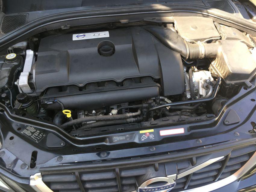 Volvo XC60 3.0 T6 AWD R-Design (Aut) - Foto #5