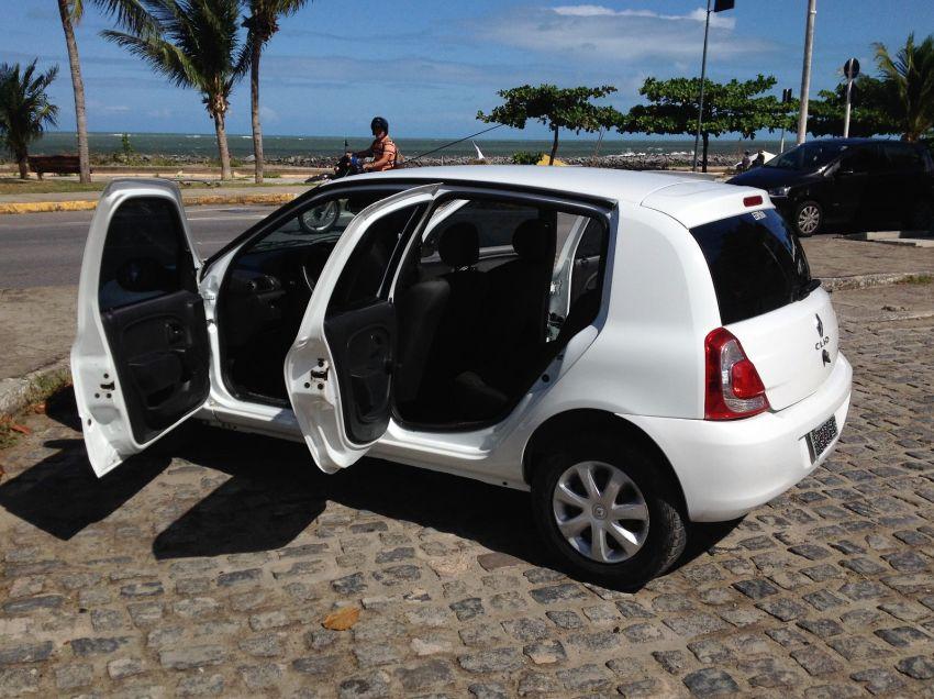Renault Clio Hatch. Expression 1.0 8v 4p - Foto #5