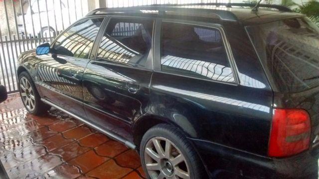 Audi A4 1.8 20V Turbo - Foto #1