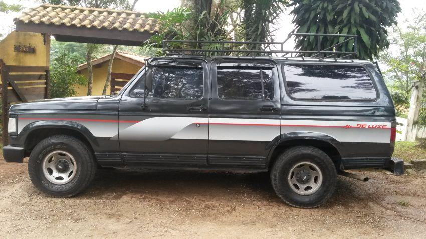 Chevrolet Veraneio Custom De Luxe 4.1 - Foto #4