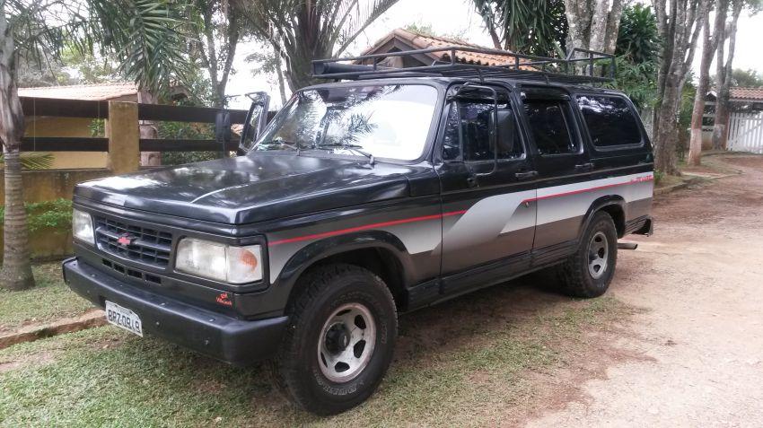 Chevrolet Veraneio Custom De Luxe 4.1 - Foto #6