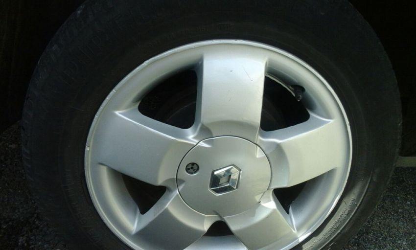 Renault Clio Sedan RN 1.0 16V - Foto #4