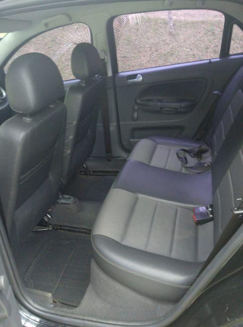 Volkswagen Gol 1.0 8V Série 25 anos (Flex) 4p - Foto #2