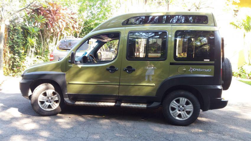 Fiat Doblò Adventure 1.8 8V - Foto #3