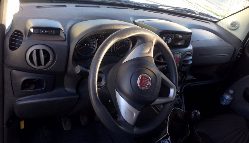 Fiat Doblò Adventure 1.8 (Flex) - Foto #6