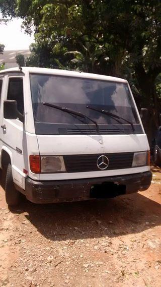 Mercedes-Benz 180 D Van 2.4 (lotação) - Foto #5