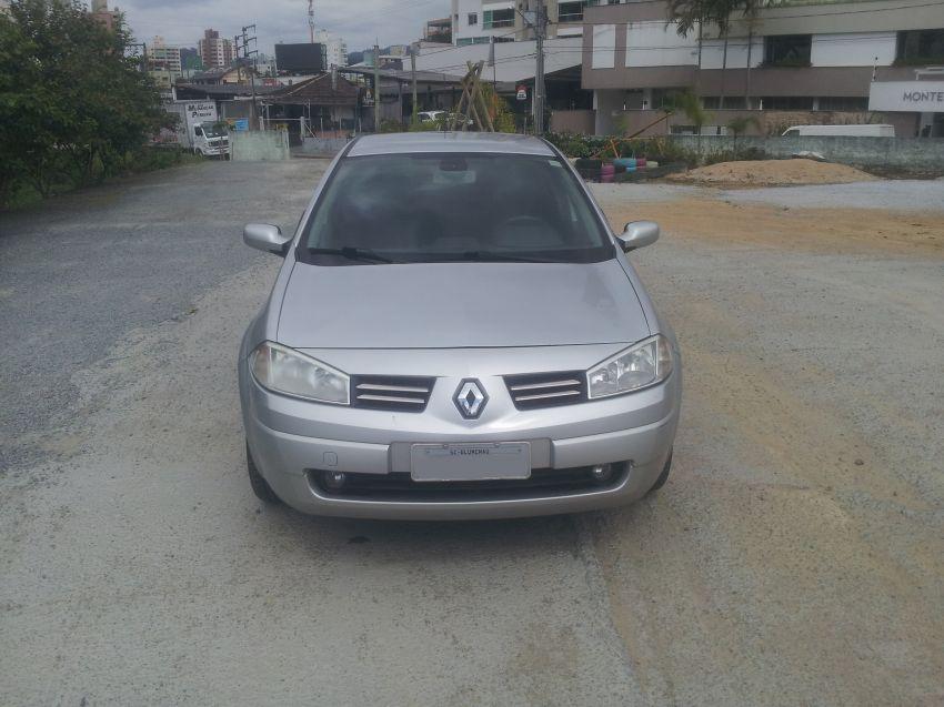 Renault Mégane Sedan Dynamique 1.6 16V (flex) - Foto #5