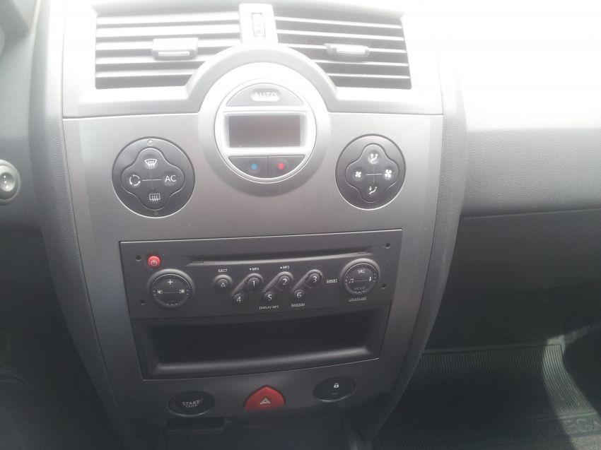 Renault Mégane Sedan Dynamique 1.6 16V (flex) - Foto #10