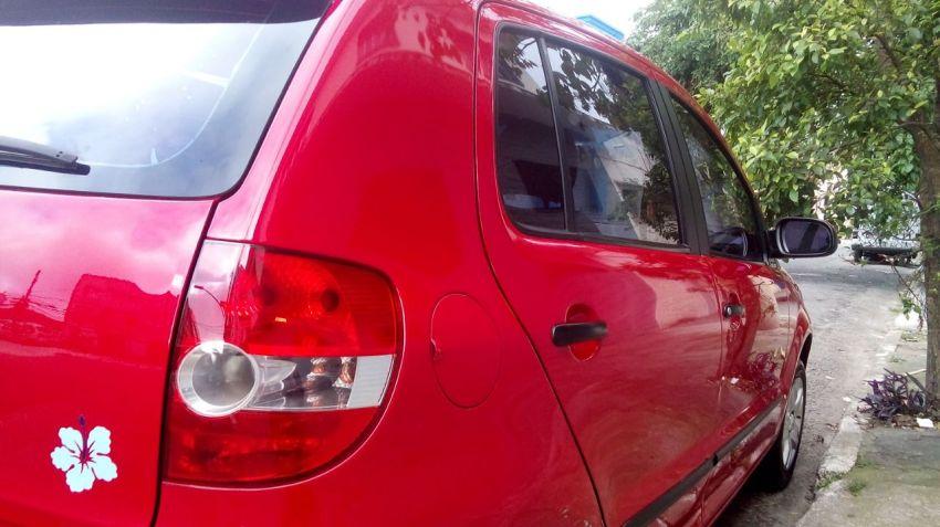 Volkswagen Fox Route 1.0 8V (Flex) 4p - Foto #5