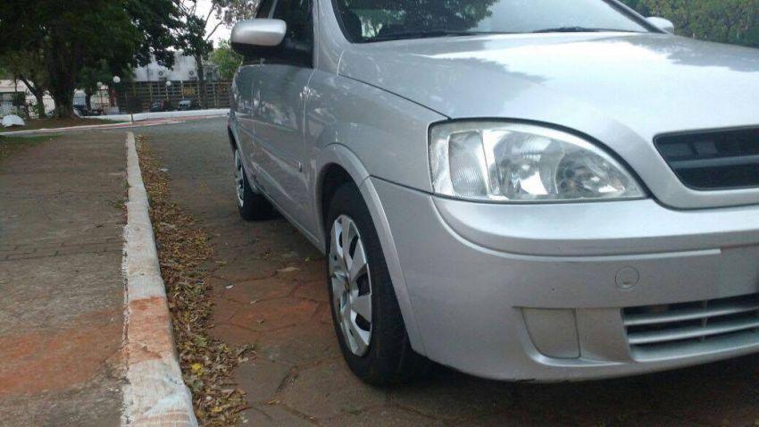 Chevrolet Corsa Sedan 1.8 (Flex) - Foto #2