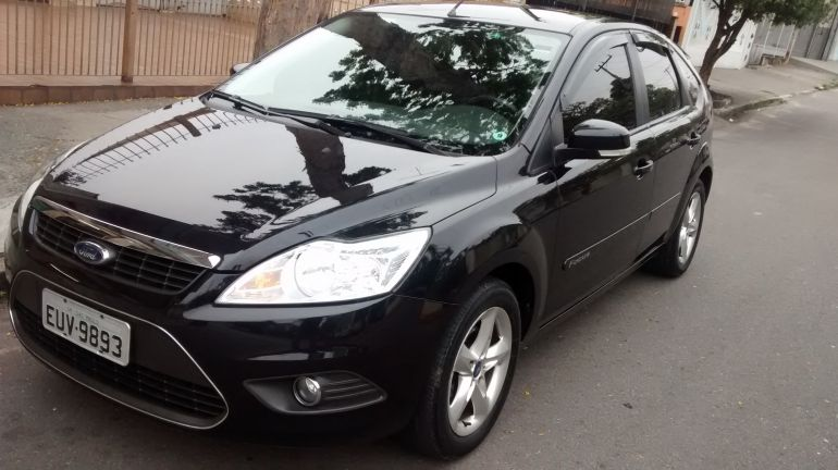 Ford Focus Hatch GLX 1.6 16V (Flex) - Foto #2