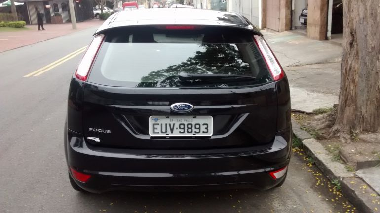 Ford Focus Hatch GLX 1.6 16V (Flex) - Foto #4