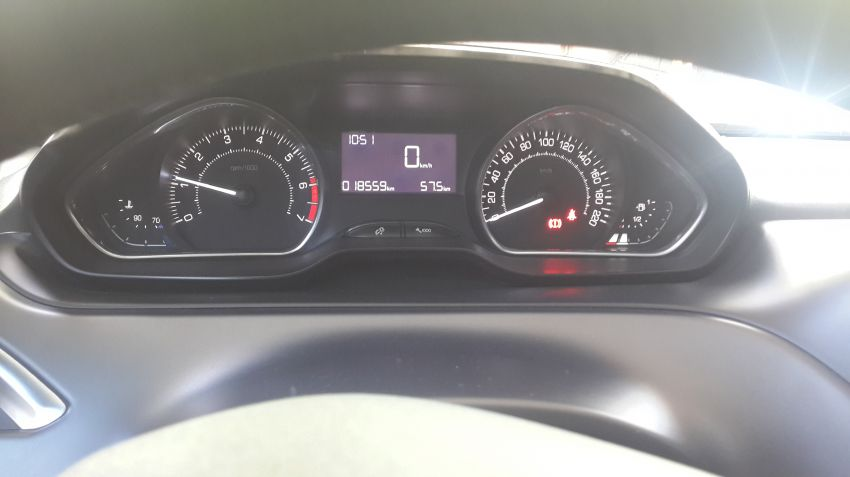 Peugeot 208 1.6 16V Griffe (Flex) - Foto #3