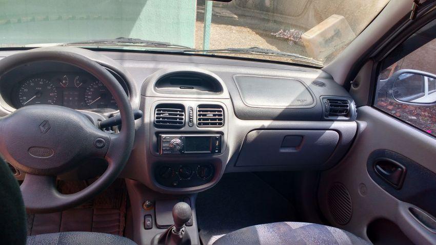 Renault Clio Hatch. RN 1.6 8V - Foto #2