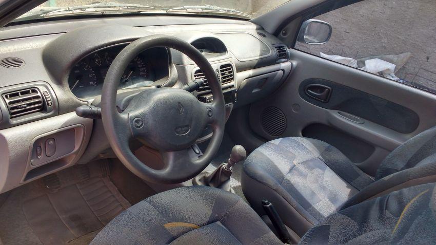 Renault Clio Hatch. RN 1.6 8V - Foto #3