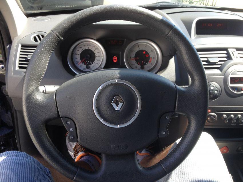 Renault Mégane Grand Tour Dynamique 1.6 16V (flex) - Foto #6