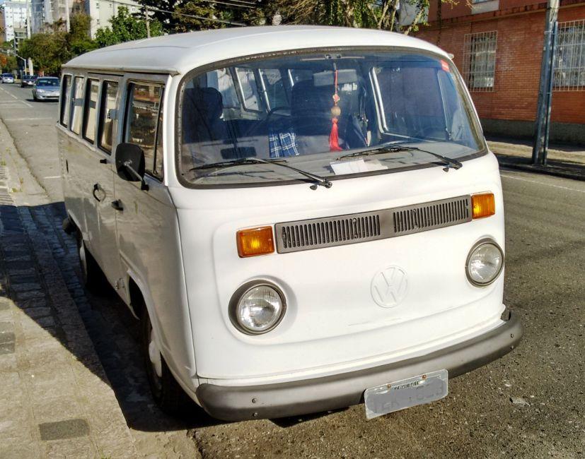 Volkswagen Kombi Standard Lotação 1.6 - Foto #1