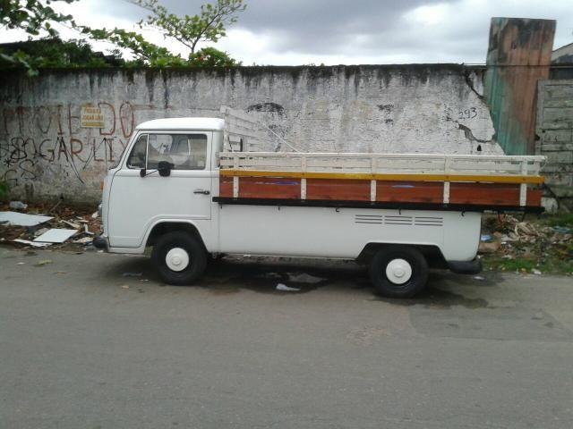 Volkswagen Kombi Pick-Up 1.6 (cab. dupla) - Foto #1