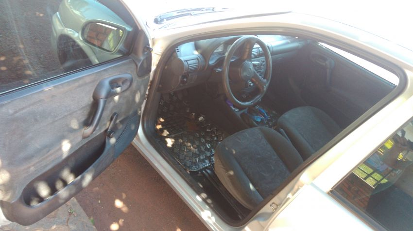 Chevrolet Corsa Sedan Milenium 1.0 MPFi 16V - Foto #2