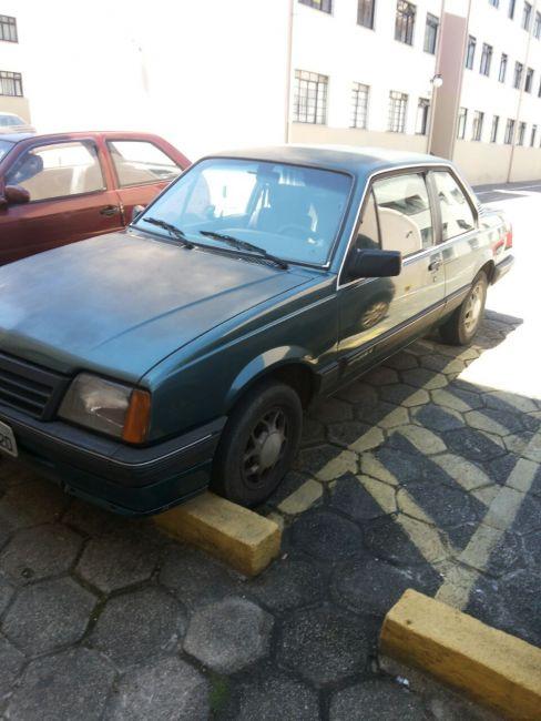 Chevrolet Monza Sedan Classic 2.0 - Foto #5