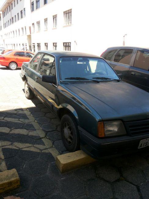 Chevrolet Monza Sedan Classic 2.0 - Foto #6