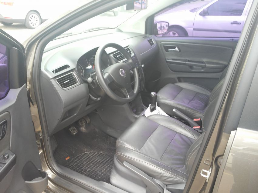 Volkswagen Fox Prime 1.6 8V (Flex) - Foto #1