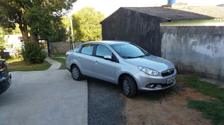 Fiat Grand Siena Attractive 1.4 (Flex) - Foto #2