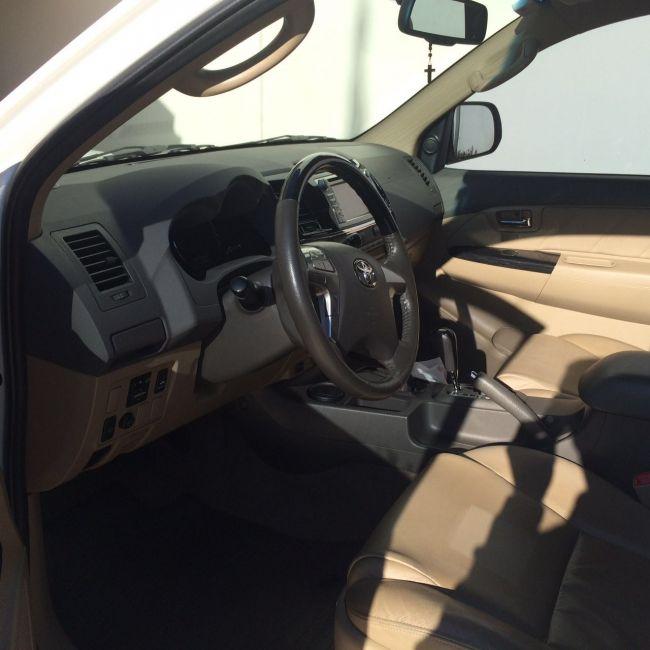 Toyota Hilux SW4 3.0 TDI 4x4 SR 5L Auto - Foto #3