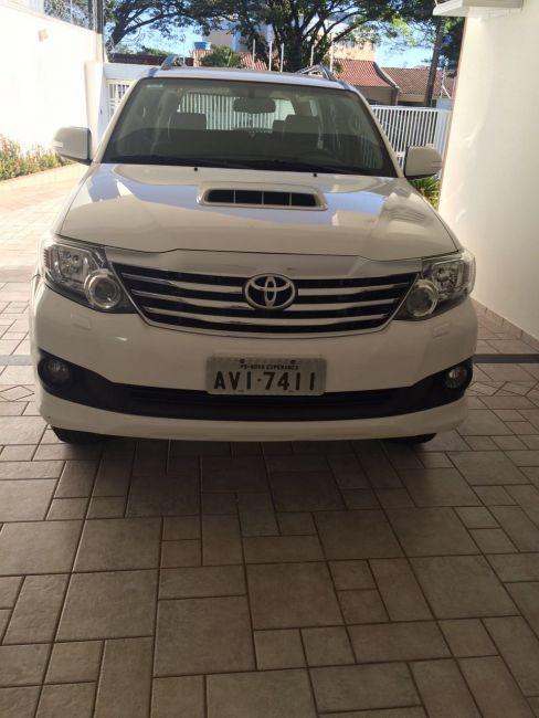 Toyota Hilux SW4 3.0 TDI 4x4 SR 5L Auto - Foto #5