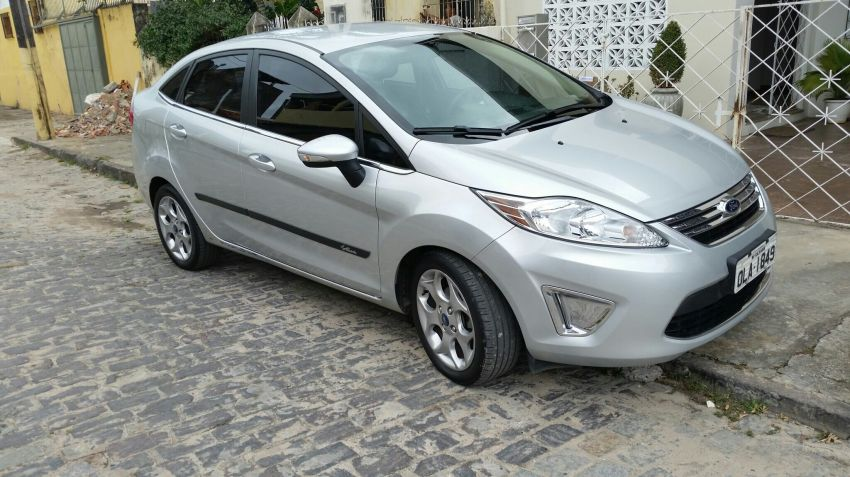 Ford New Fiesta Sedan SE 1.6 16V (Flex) - Foto #2