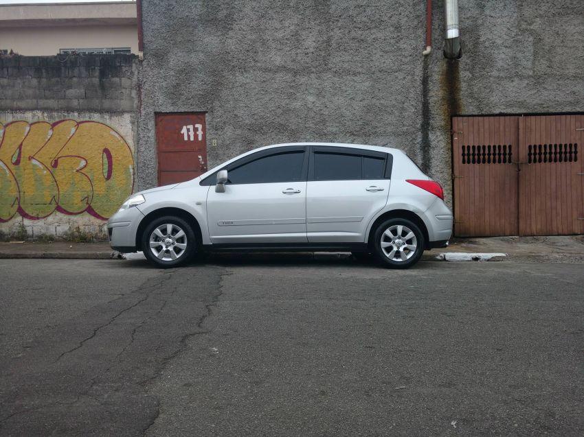 Nissan Tiida S 1.8 - Foto #5