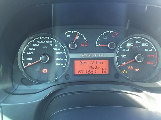 Fiat Strada Adventure Dualogic 1.8 16V (Flex) (Cab Dupla) - Foto #2