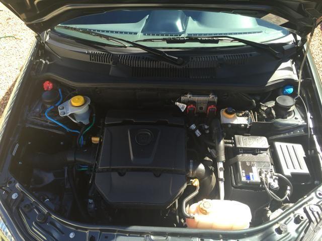 Fiat Strada Adventure Dualogic 1.8 16V (Flex) (Cab Dupla) - Foto #6