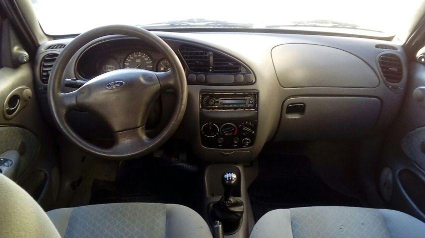 Ford Fiesta Hatch GL 1.0 MPi - Foto #2
