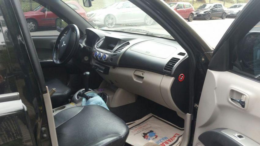 Mitsubishi L 200 Triton HPE 4x4 3.5 (cab. dupla) (aut) - Foto #7