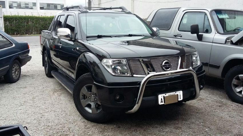 Nissan Frontier Strike 2.5 4X2 - Foto #1
