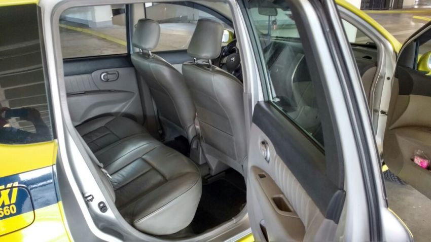 Nissan Livina SL 1.8 16V aut. (flex) - Foto #7