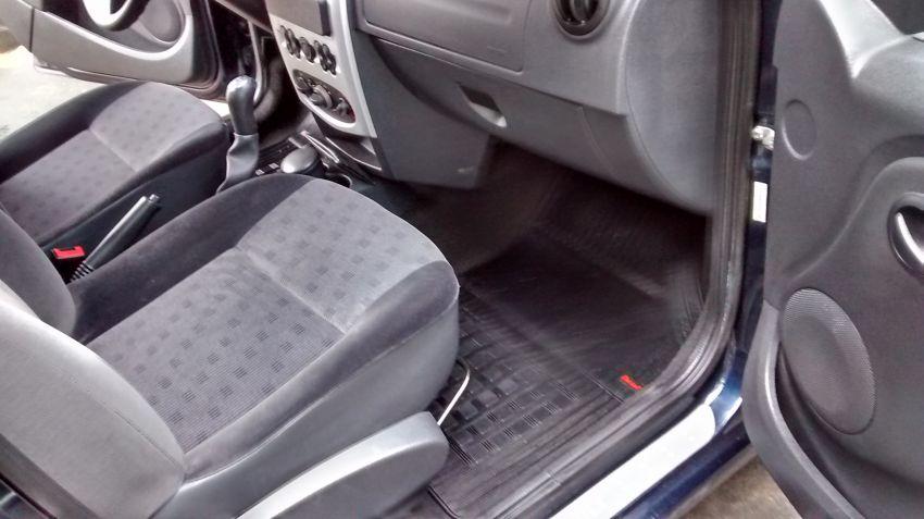 Renault Logan Privilège 1.6 16V (flex) - Foto #5