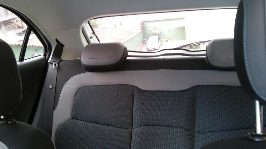 Chevrolet Onix 1.0 SPE/4 Seleção - Foto #9