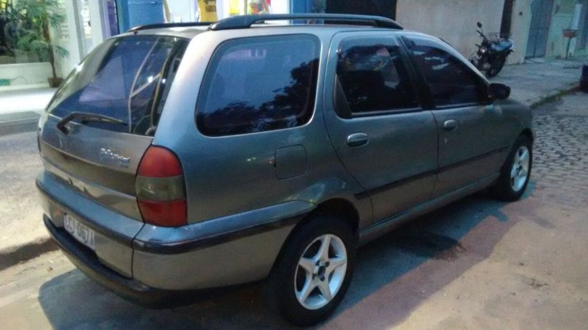Fiat Palio Weekend Stile 1.6 MPi 16V - Foto #4
