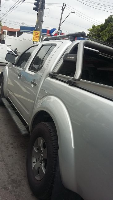 Nissan Frontier SE 4x2 2.5 16V (cab. dupla) - Foto #3