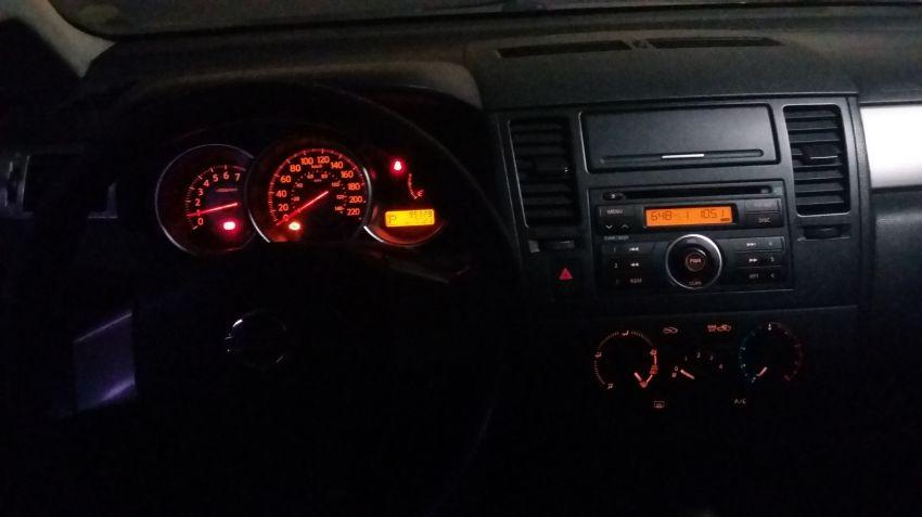Nissan Tiida S 1.8 (aut) - Foto #3